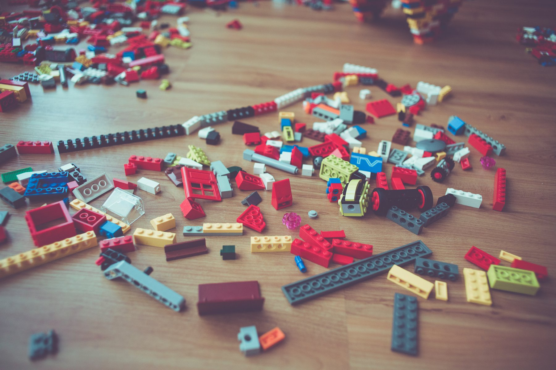 Generating LEGO Images for Training a CNN